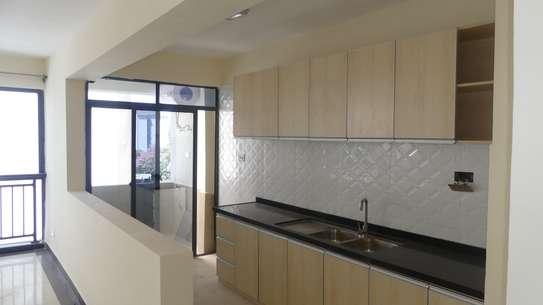 2 bedroom apartment for rent in Kileleshwa image 6