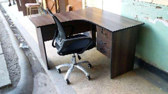 L shape office desk and chairs. image 2