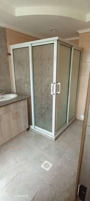 shower cubicles negotiable prices
