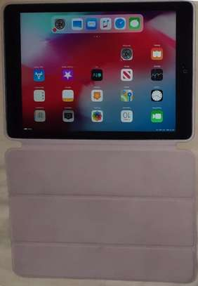 IPad air A1475 (16gb, wifi  Ex-US). With Clean Case. Hurry while stock lasts!