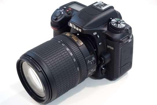 NIKON D7500 Digital Camera with 18-140mm Lens. Brand New Sealed