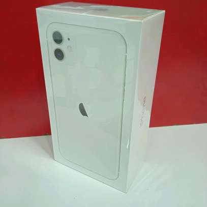 Iphone 11 new 64gb White Colour in shop(Dealer) image 2