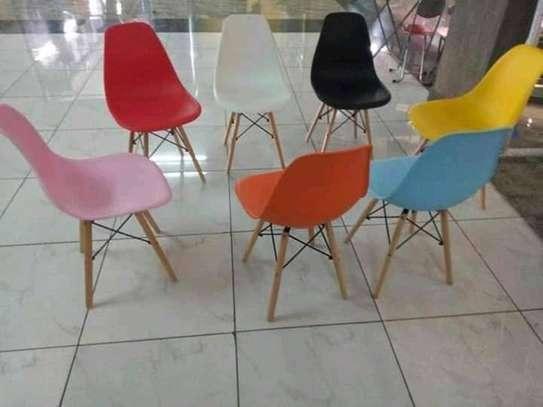 Plastic vistor seat image 1