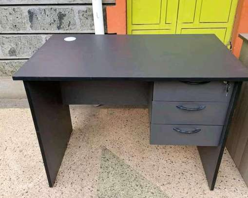 Modern style home office desk in Grey image 1