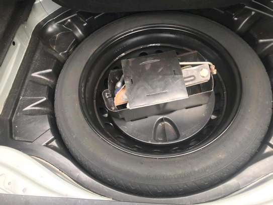 Mercedes S-class image 13