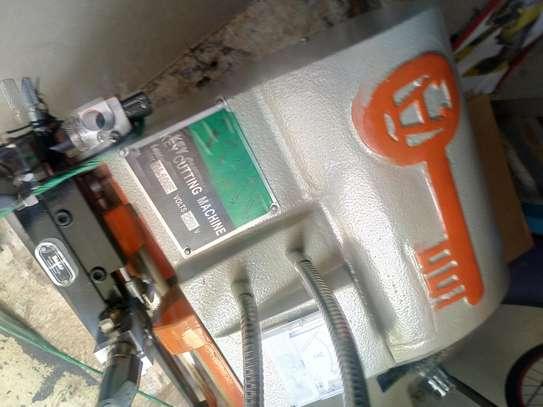 Key Cutting Machine image 2