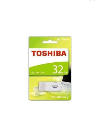Highspeed Toshiba USB Flashdisk - 32GB White image 2