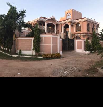 5br unfurnished House for rent in Nyali. HR21 image 2