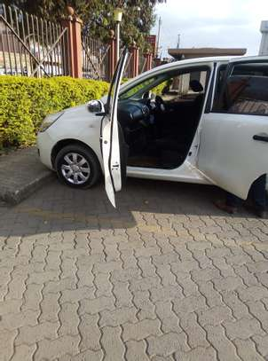 Nissan Note 2009 model on quick sale image 3