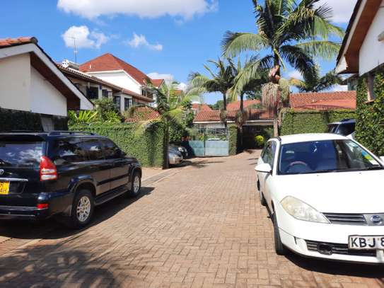Lovely 3 Bedrooms House To Let in Kileleshwa image 2