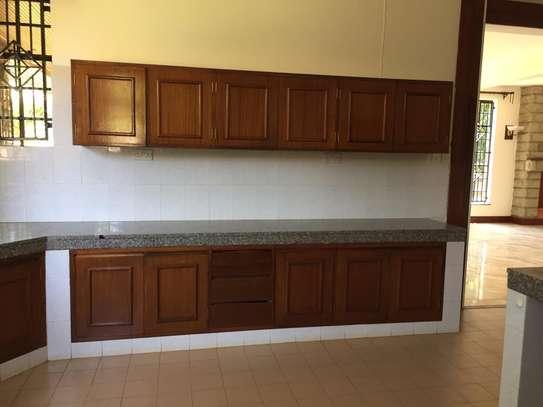4 bedroom apartment for rent in Runda image 10
