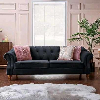 Latest three seater sofa set designs for sale in Nairobi Kenya/Best tufted sofas/2021 sofa ideas image 1