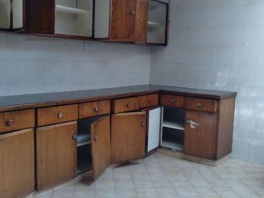 4 bedroom house for rent in Parklands image 9
