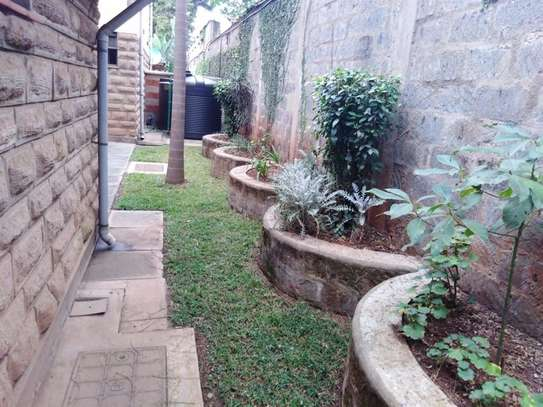 5 bedroom house for rent in Kileleshwa image 13