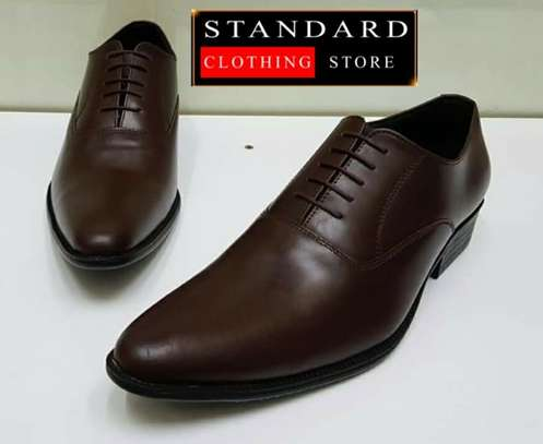 Low Cut Leather Shoes image 3