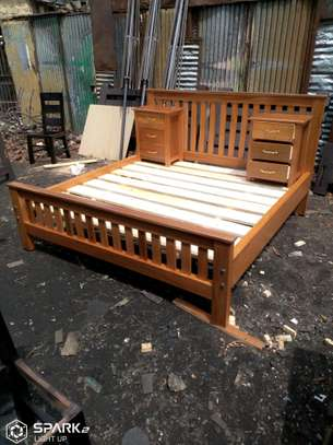 Bed size 6by6 with side tables
