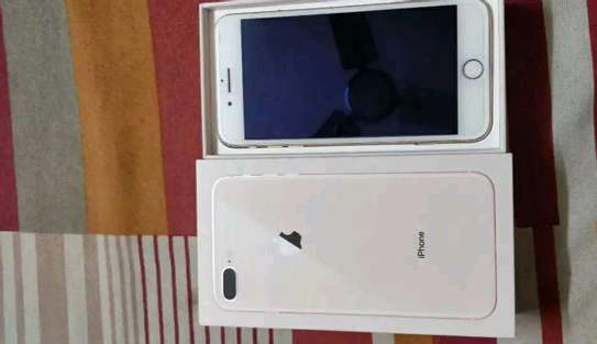 Apple Iphone 8 Plus ¤ 256 Gigabytes Gold  And Wireless Charger image 3