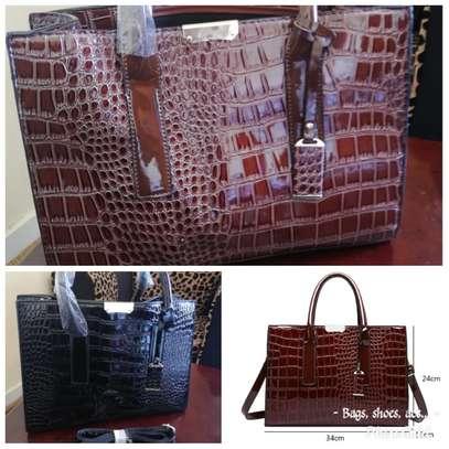 Handbag image 4