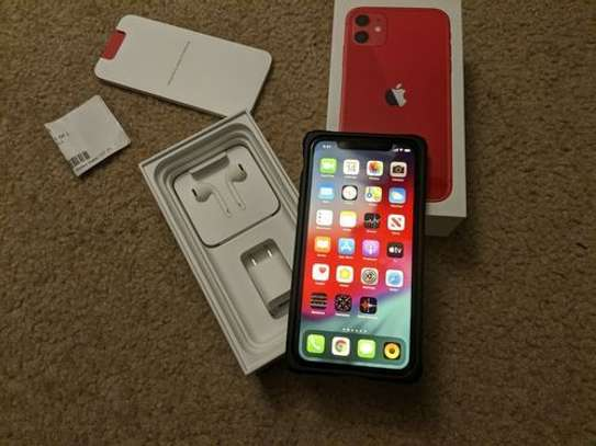 IPhone 11 64GB image 1