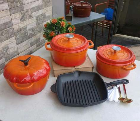 Cast iron cooking set image 2