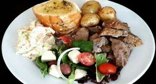 Best Home Cooking chefs/cooks for hire.Reliable Cooking & Service Nairobi image 2