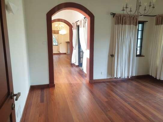 5 bedroom villa for rent in Runda image 5
