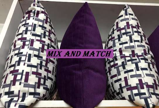MIX AND MATCH QUALITY THROW PILLOWS image 1