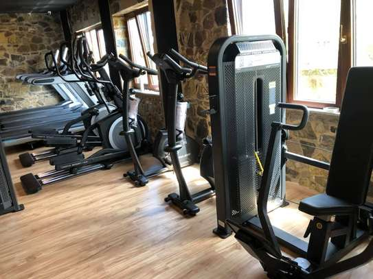 Full comercial fitness equipments image 1