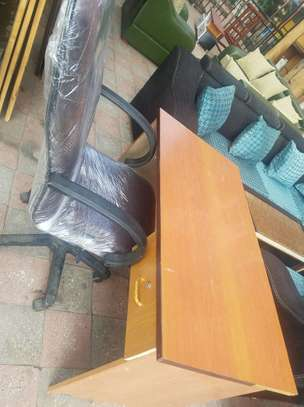 Used Office Chair With Table