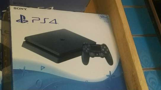 Play station 4 image 1