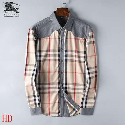 Burberry Men's Long Sleeve Button Down Shirt in Classic Fit