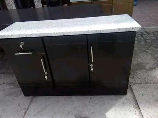 1.20 kichen cabinet and cylinder stove