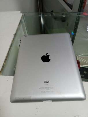Apple   ipad 3 wifi    supported   16gb storage   10.1 inch screen image 2