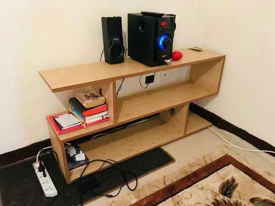 S -Tv Stand