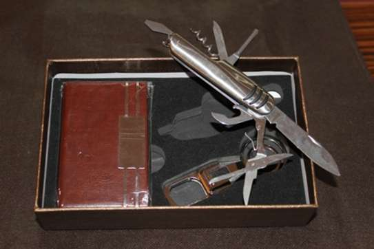 Gift set, wine opener + key holder + card holder