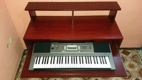 Yamaha Keyboard + Studio Table