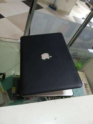 ✍95% New Macbook pro core i5 with  2011 year  excellent battry life           ♦️16GB 1600MHz DDR3 memory image 2