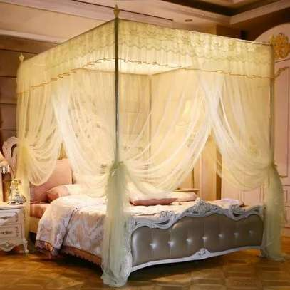 Bed curtains image 1