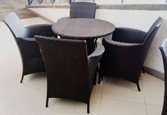Cafeteria Tabel With Chair