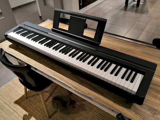 piano Yamaha image 1