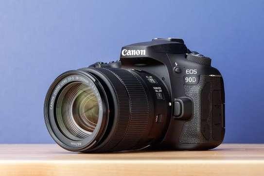 Canon 90D camera image 3