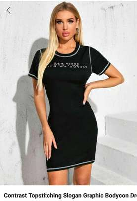 Contrast Topstitching Slogan Graphic Bodycon Dress