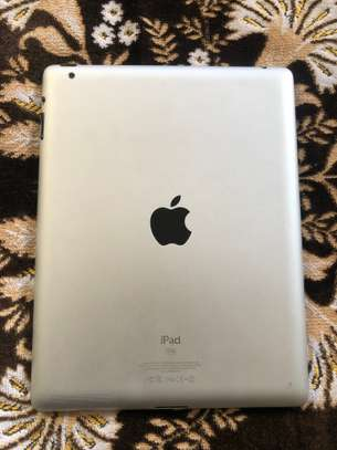 iPad 2 Wi-Fi image 2