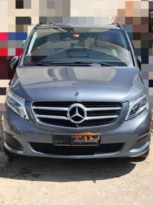 2020 Model Mercedes -Benz V250 image 2