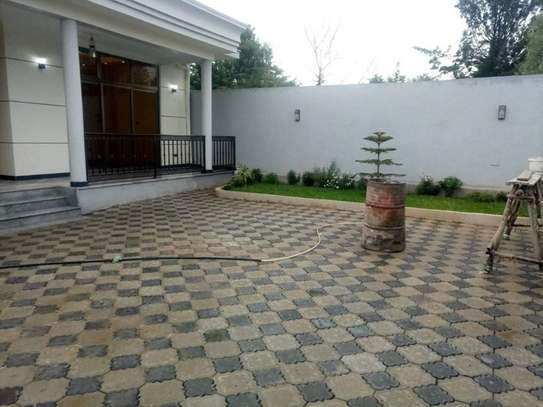 500 Sqm House For Sale (Bishoftu) image 4