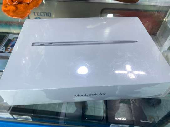 MacBook Air core M 2020 storage 256GB RAM 8GB 13.3 inch brand new sealed image 1