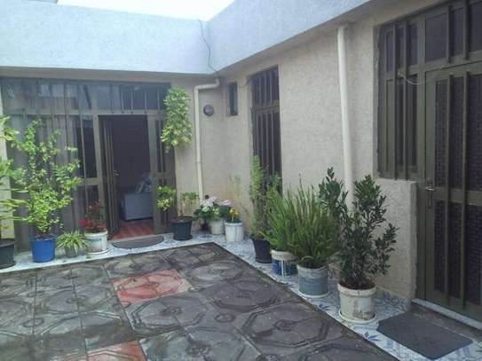 90 Sqm Service House For Sale (Hayat)