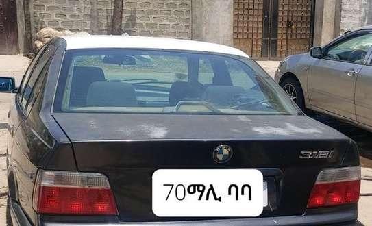 1991 Model BMW 318i image 4