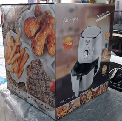 AIR FRYER image 2