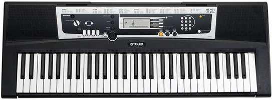 Brand New Yamaha YPT210 Electronic Keyboard image 3